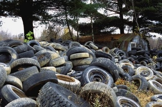 Tires going to waste : Stock Photo