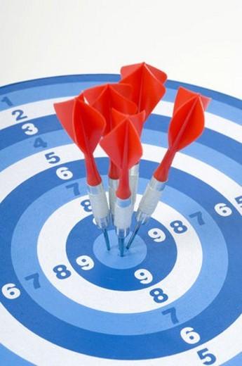 Stock Photo: 4029R-380739 board, aim, background, arrow, archery, bullseye, accurate