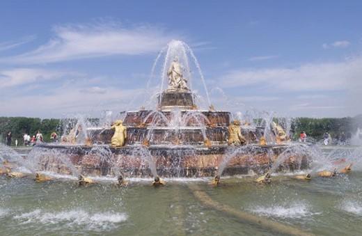 Stock Photo: 4029R-389278 Chateau de Versailles, France - Fountain