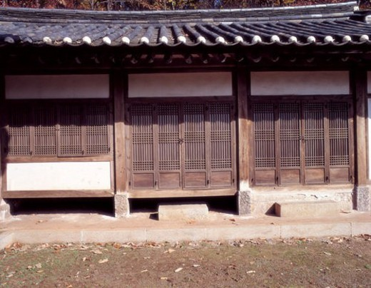 Stock Photo: 4029R-394720 korea culture, world ancient architecture, tile roofed house, korea architecture, asia architecture, traditon, Koreanstylehouse