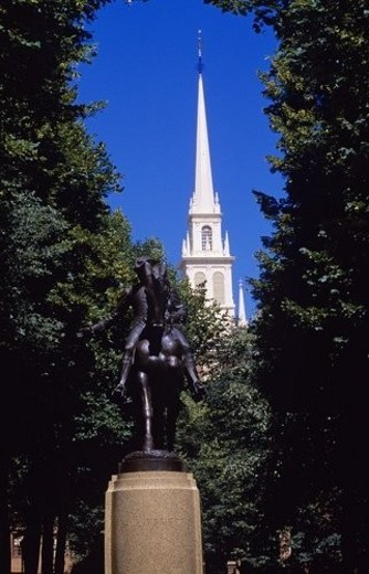 Paul Revere Statue : Stock Photo
