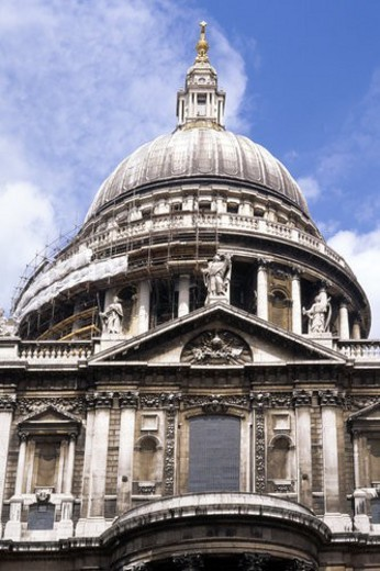 Stock Photo: 4029R-413256 Exterior of St Pauls Cathedral