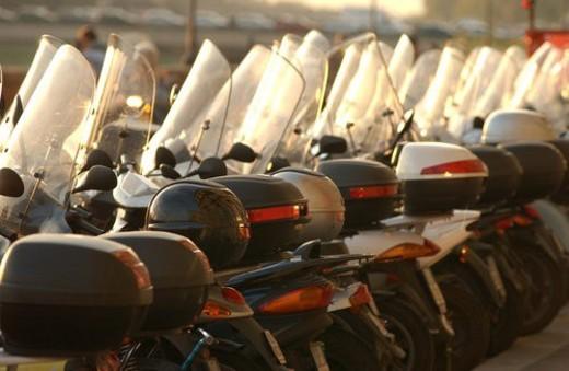 Stock Photo: 4029R-420746 Line of Bikes