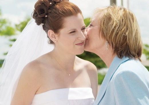 Stock Photo: 4029R-433379 Smiling, Wedding Dress, Veil