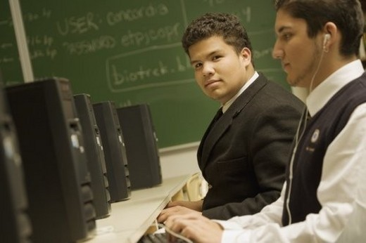 Stock Photo: 4029R-437716 Students in a computer lab