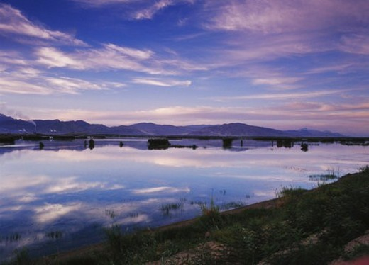 Stock Photo: 4029R-437720 Overview of Xinghai Lake and Helan mountain, Ningxia