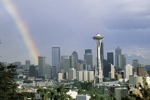 This is the skyline with the Space Needle and a rainbow : Stock Photo