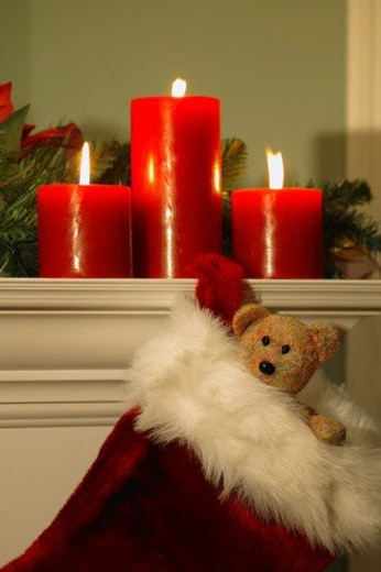 Fireplace mantle decorated at Christmas : Stock Photo