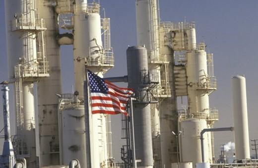 Stock Photo: 4029R-55186 Oil Refinery