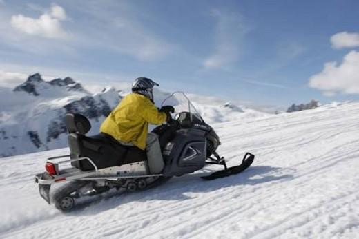 Stock Photo: 4029R-58120 snowmobile adventure tour in Whistler British Columbia