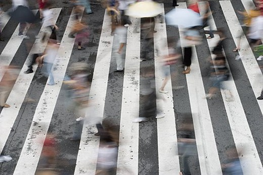 Stock Photo: 4029R-69374 People crossing street in Japan