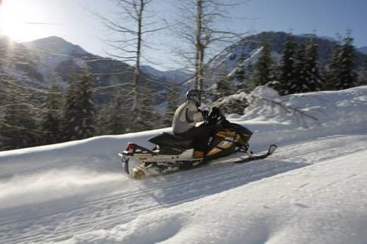 Stock Photo: 4029R-73227 snowmobile adventure tour in Whistler British Columbia