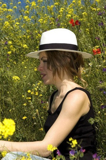 Stock Photo: 4029R-76071 Woman, Young, Nature, Country, Flowers, Country of flowers, Yellow