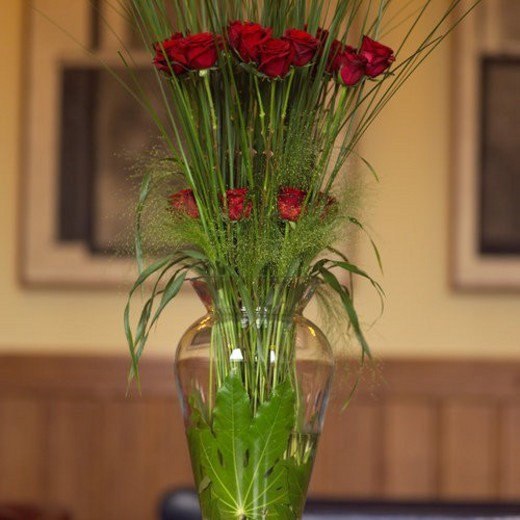 Stock Photo: 4029R-80378 Dublin, Ireland - Vase of Roses