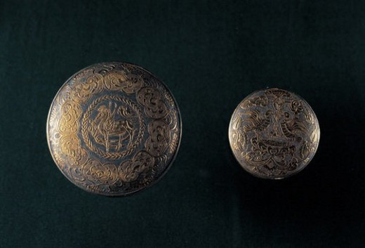 Golden box carved with flower pattern in Tang Dynasty : Stock Photo