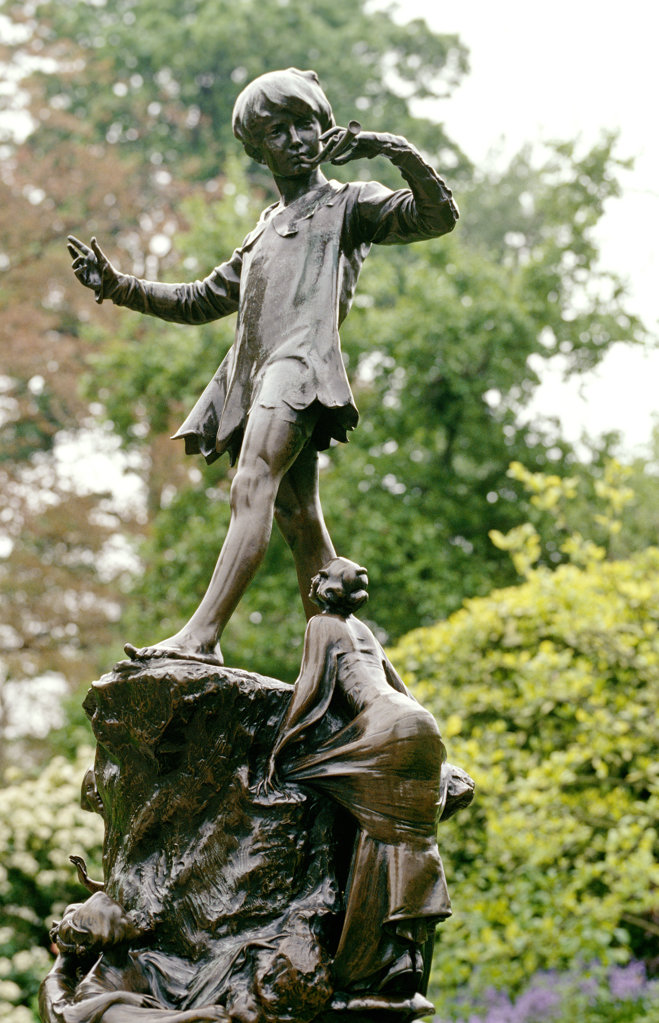 Peter Pan Statue, Kensinton Gardens, London, United Kingdom : Stock Photo
