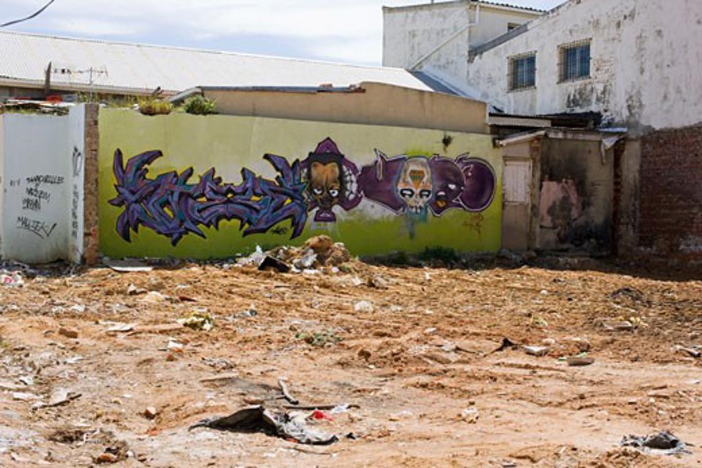 Graffiti wall, Woodstock, Cape Town : Stock Photo