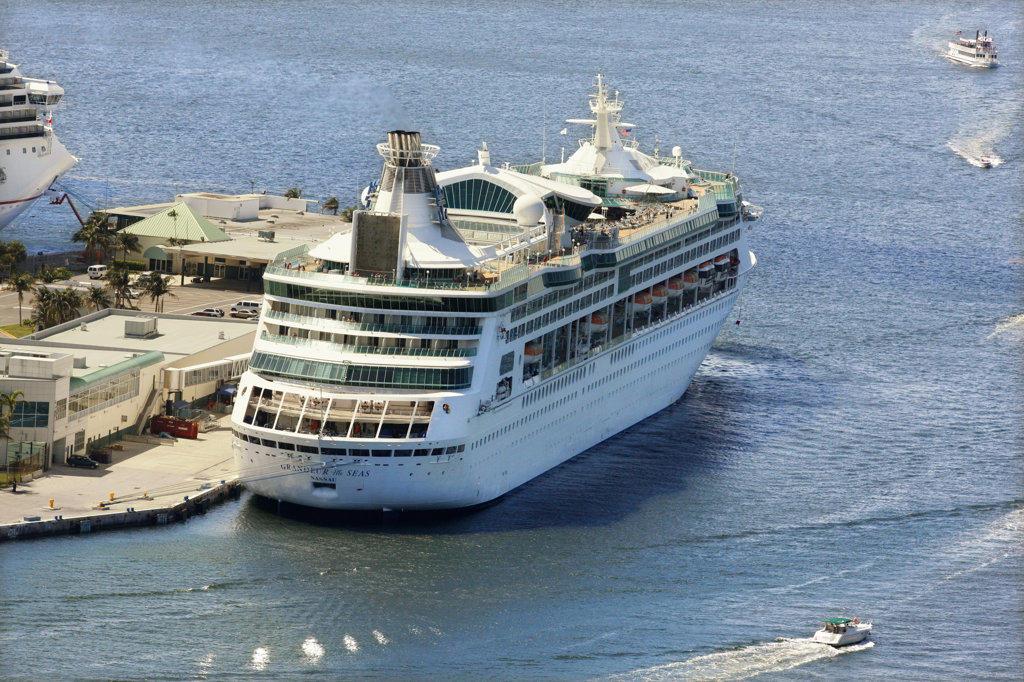 Stock Photo: 4030-6598 Cruise Ship, Grandeur of the Seas, Florida