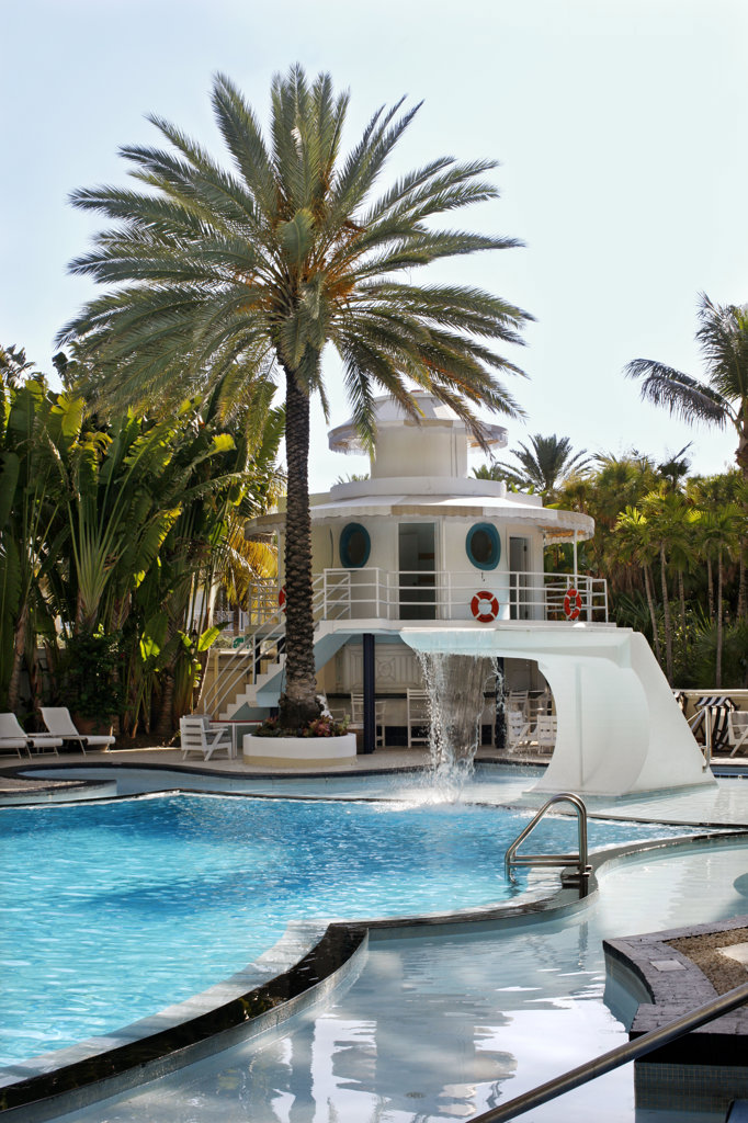 Stock Photo: 4030-6970 The Raleigh Hotel Swimming Pool, Miami