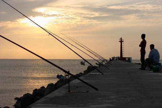 People fishing, AnPing Harbor, Tainan, Taiwan : Stock Photo