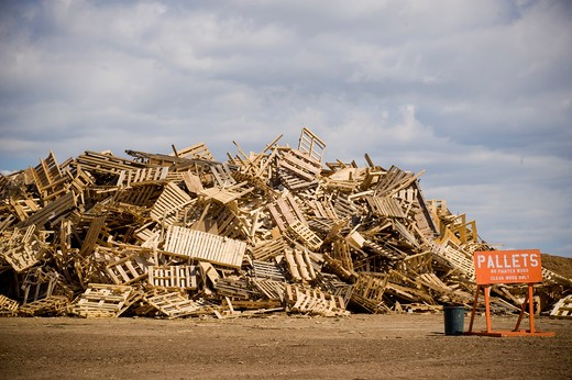 Stock Photo: 4033-414 Heap of recyclable wood products