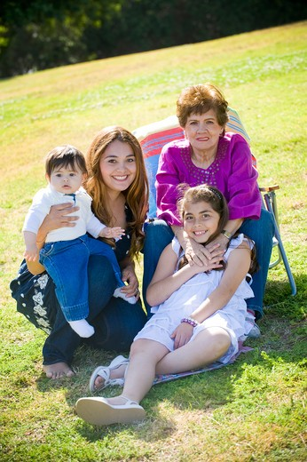 Stock Photo: 4033-465 Portrait of a happy family in the park
