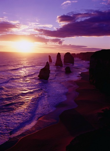 Evening View, Apostle of 12 people, great Ocean loading, Victoria state, Australia, April : Stock Photo