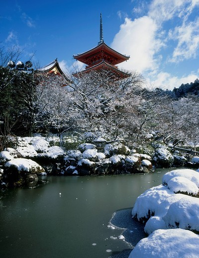 Stock Photo: 4034-109463 Snow, Three_Storied Pagoda, Kiyomizudera temple, Higashiyama, Kyoto, Japan
