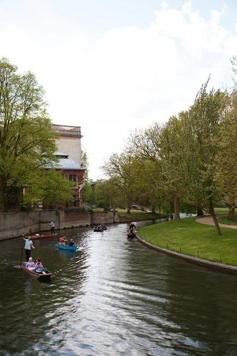 Stock Photo: 4034-115817 Punting, St John´s College, Cambridge, United Kingdom