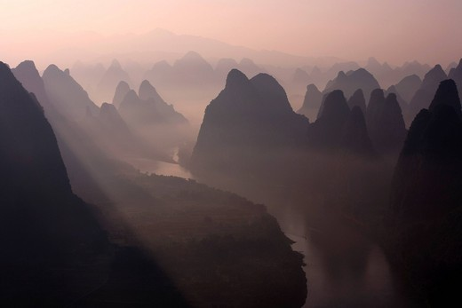 Morning haze, Guilin, row of mountains, Li River, Yangshuo, Guangxi Zhuang Autonomous Region, China, Asia : Stock Photo