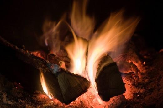 burning, flame, Oak material, firewood, winter, heating, wood stove, wood_chopping, warm, coal, fireplace, Azumino, Nagano, Koshin_etsu, Japan : Stock Photo