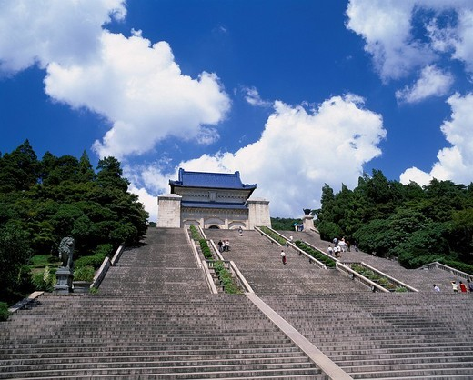 Zhongshanling Imperial mausoleum, Nanjing, Jiangsu, China, architecture, Shrubbery, stairs, people, statue, forest, tree, August : Stock Photo