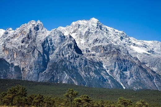 Mt Yu Long Xue Shan scenery place of scenic beauty district, View from Ganhaizi, Lijiang, Yunnan, China : Stock Photo