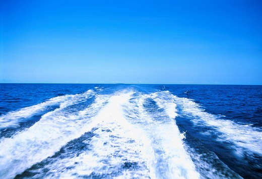 Stock Photo: 4034-27633 Sea Water splash White Ship Wake Great Barrier Reef Australia