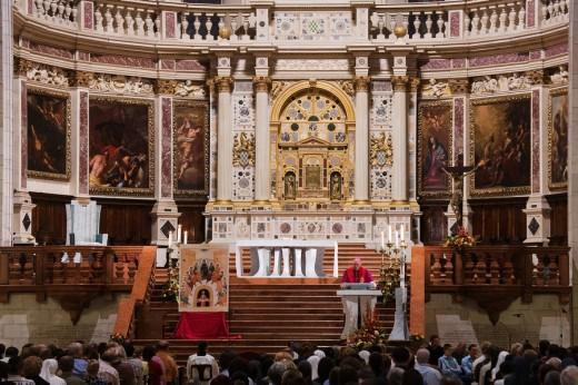 Duomo, Mass, Vicenza, Italy : Stock Photo
