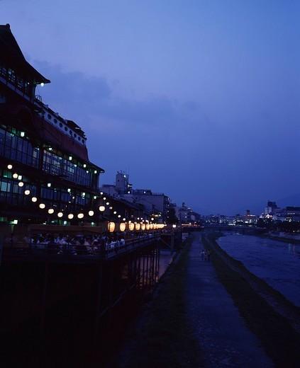 Stock Photo: 4034-46777 Kamogawa Floor Kyoto Japan Sky Paper lantern River