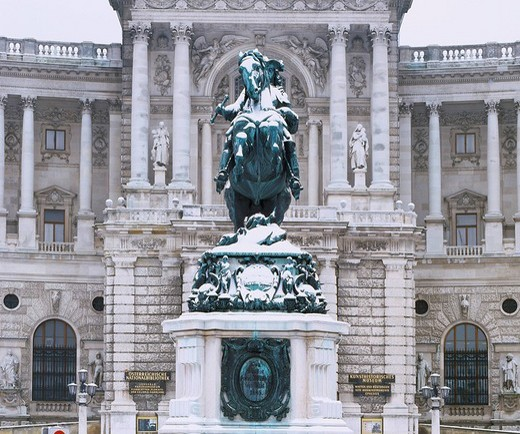 Snow New king´s palace World Heritage Vienna Austria : Stock Photo