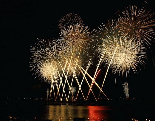 Stock Photo: 4034-5581 Nagaoka festival fireworks, miracle star mine, Shinano River, Nagaoka, Niigata, Koshinetsu, Japan