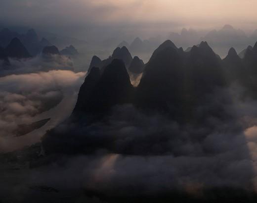 Sea of clouds, Guilin landscape, Guangxizhuangzhu Autonomous region, Chinaregion, China : Stock Photo