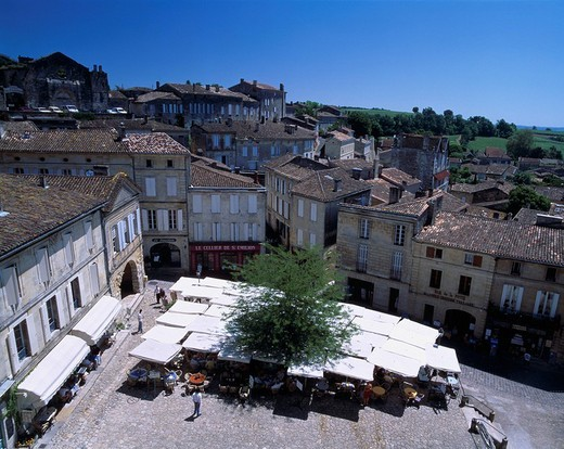 City View Cafe Saint Emilion Bordeaux France B Blue sky City View Tree : Stock Photo