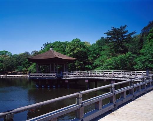 Stock Photo: 4034-80680 Sagiike, Ukimido, Nara, Bridge, Fresh Green, Pond, Japan