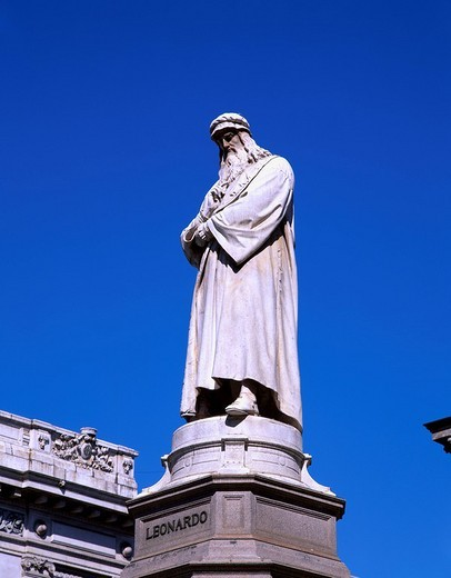 Leonardo da Vinci statue Milan Italy Square Blue sky : Stock Photo