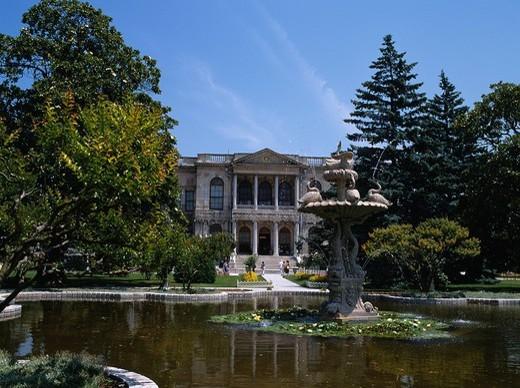Stock Photo: 4034-82635 Dolmabahce Palace, Istanbul, Turkey