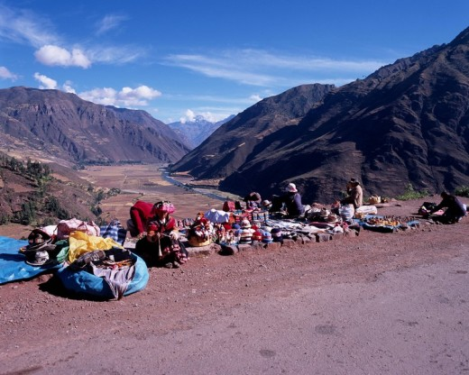 Stock Photo: 4034-92093 Souvenir store Souvenir Cuzco suburbs Peru Blue sky Native costume Mountain Tree People Folk Customs Natinal Consume