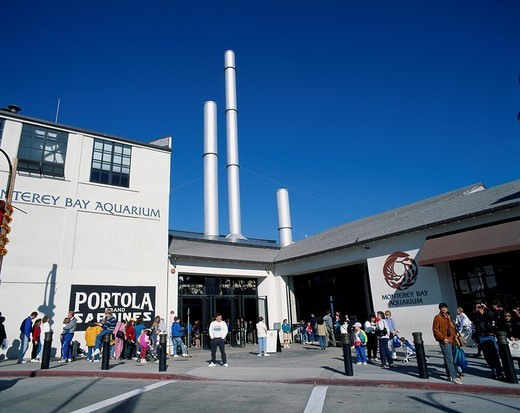 Stock Photo: 4034-93715 Monterey Bay aquarium Monterey United States of America Blue sky Building Aquarium People