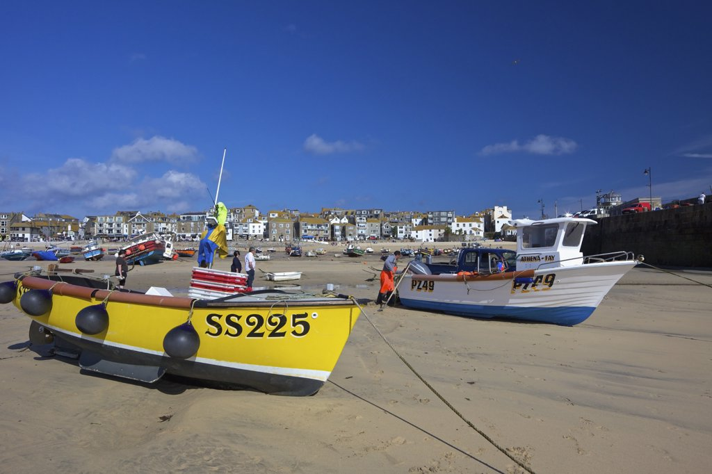 Boats on the beach, St. Ives, British Isles, Cornwall, England : Stock Photo