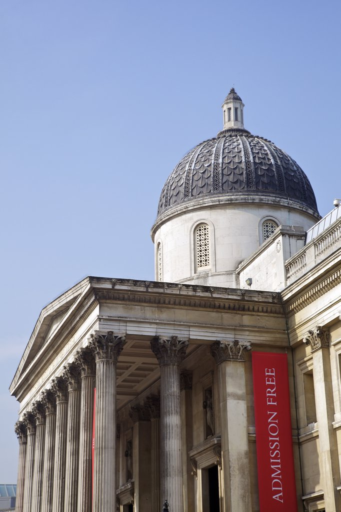 Stock Photo: 4042-2057 Great Britain, United Kingdom, England, London, Free admission to National Gallery