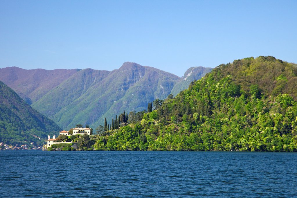 Stock Photo: 4042-2174 Italy, Lake Como, Villa del Balbianello on Punta di Lavedo in spring sunshine