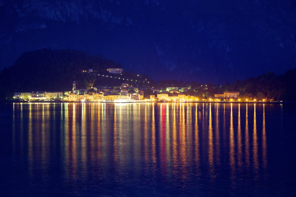 Stock Photo: 4042-2188 Italy, Lombardy, Lake Como, Bellagio, Evening lights of Bellagio