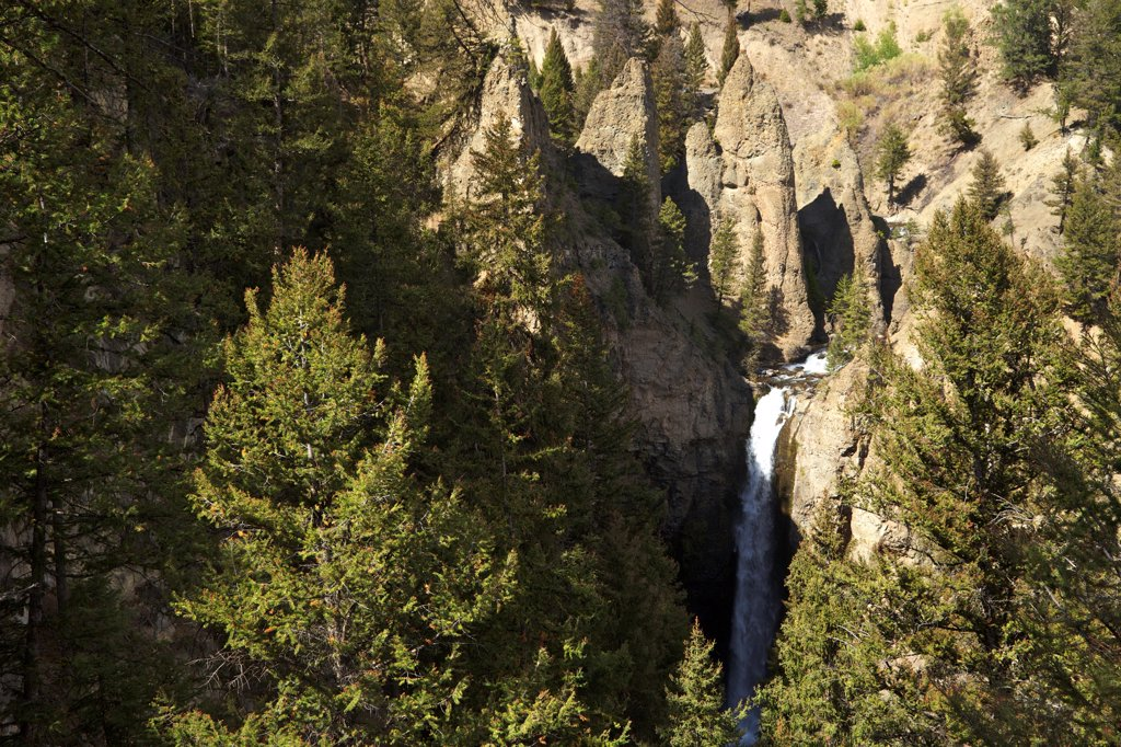Stock Photo: 4042-2242 USA, Wyoming, Yellowstone National Park, Tower Falls